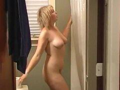 Películas rubias gorditas lindas su primer sexo casero película mientras ella chupa y folla su novio