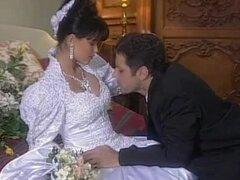 Morena espectacular Tania Russof es follada en su noche de bodas