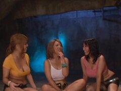Tres madres japonesas tetonas demostración sus habilidades titjob a un amigo