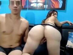 pareja colombiana prostituyéndose,