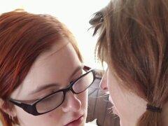 Peludas lesbianas aussie con montura. Peludas lesbianas australiano obtiene culo rimmed y coño muffdived