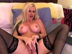 Chica Webcam rubia baila y se masturba